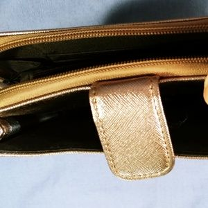 Bags - Metallic gold wristlet
